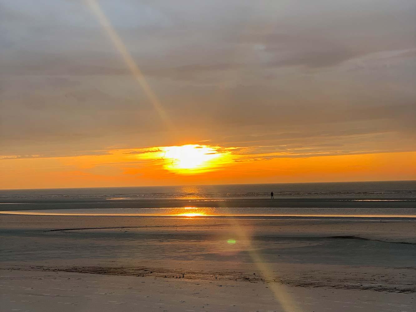 Sonnenuntergang horizontal Gegenlicht